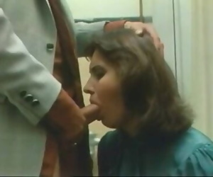 Secretary Bathroom Deepthroat